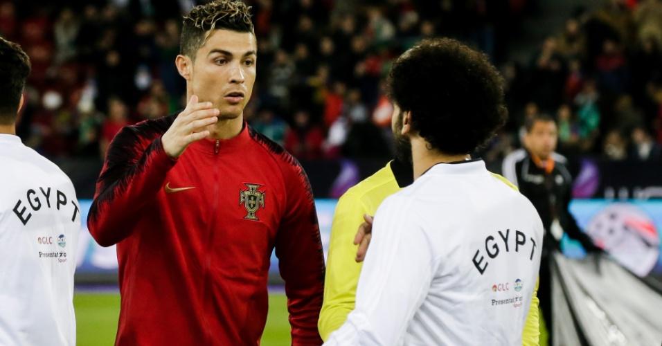 Cristiano Ronaldo e Mohamed Salah se enfrentaram em amistoso entre Portugal e Egito, em março