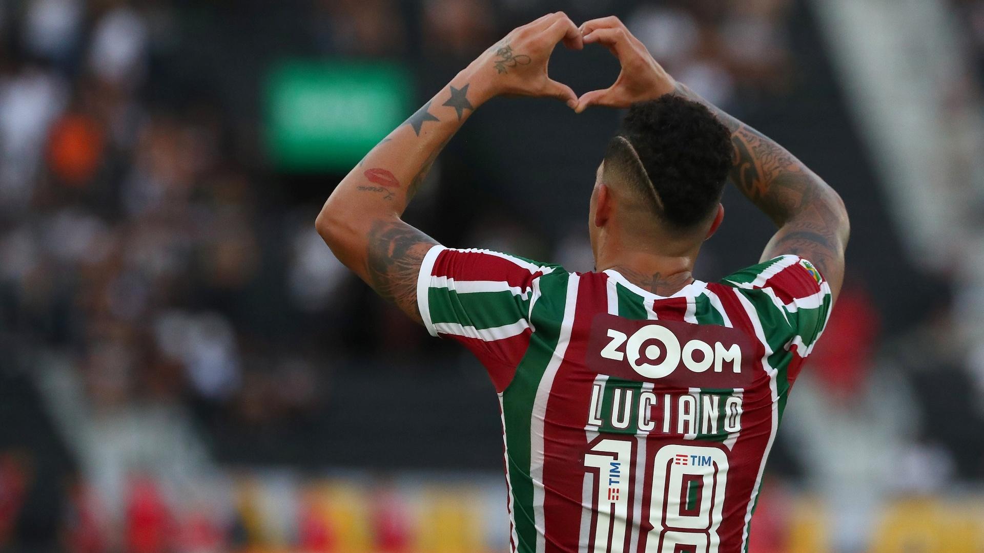 O atacante Luciano comemora gol do Fluminense diante do Atlético-MG 4433ee234a51e