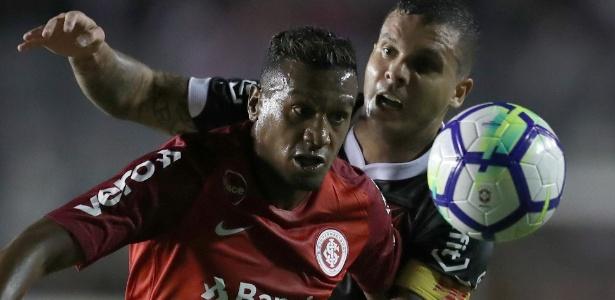 Edenílson pede paciência após resultados ruins do Internacional no começo do ano - REUTERS/Ricardo Moraes