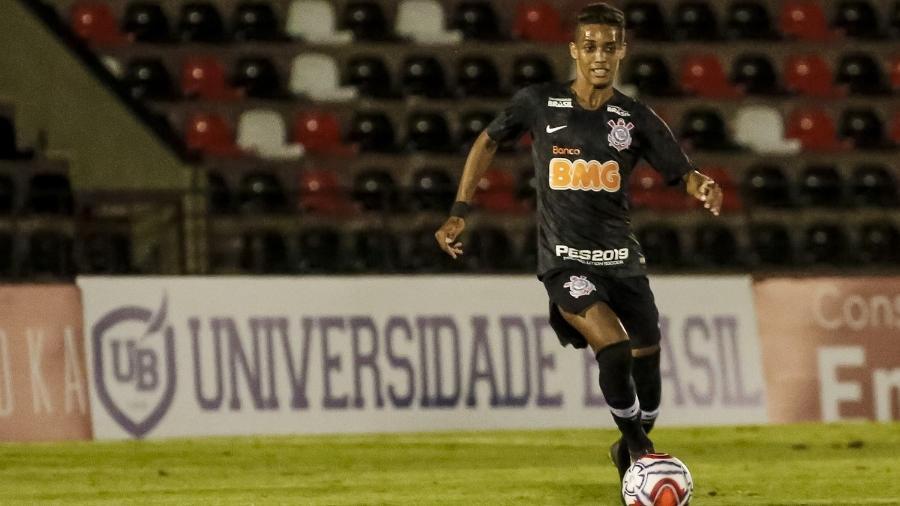 Pedrinho mudou o Corinthians na meia hora final do jogo contra o Botafogo-SP e foi peça-chave na vitória por 1 a 0 - Rodrigo Gazzanel/Ag. Corinthians