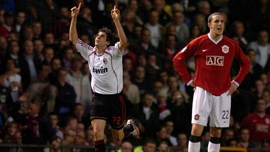 Kaká comemora após marcar para o Milan contra o Manchester United na Liga dos Campeões - Tony Marshall/Empics/Getty Images