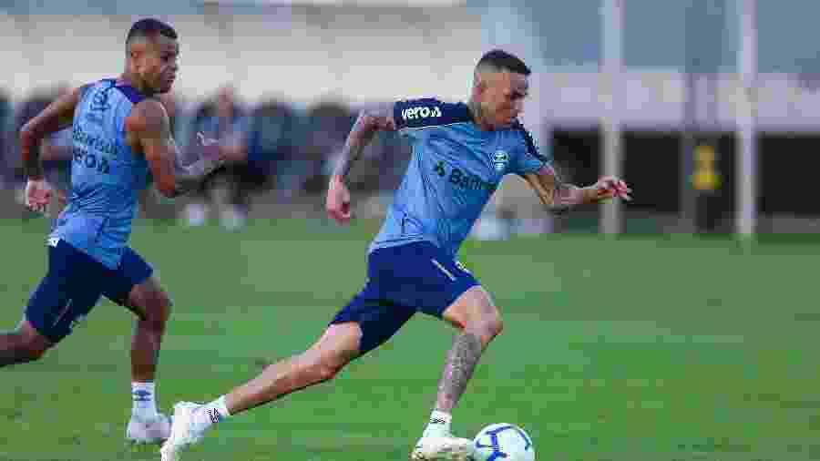 Luan foi o único a errar pênalti durante treino coletivo dos reservas com atletas da base - Lucas Uebel/Grêmio FBPA
