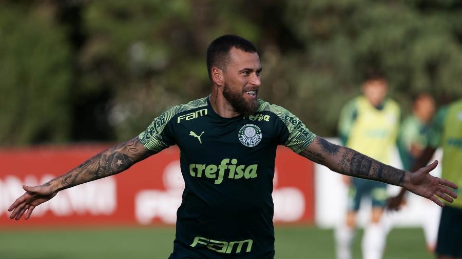 Lucas Lima durante treino do Palmeiras na Academia de Futebol - Cesar Greco