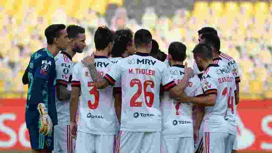 Flamengo tem 19 jogadores infectados com covid-19 e quer adiar partida contra o Palmeiras - RODRIGO BUENDIA / POOL / AFP