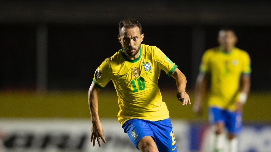 Everton Ribeiro pela seleção brasileira contra a Venezuela - Lucas Figueiredo/CBF