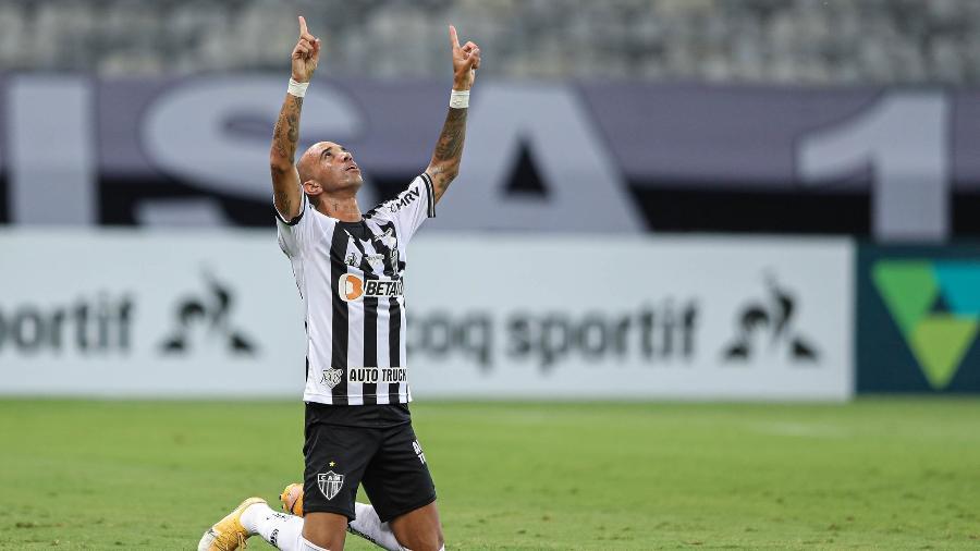 Diego Tardelli ficou longe dos gramados em 2020 por causa de uma grave lesão no tornozelo direito - Pedro Souza/Atlético-MG