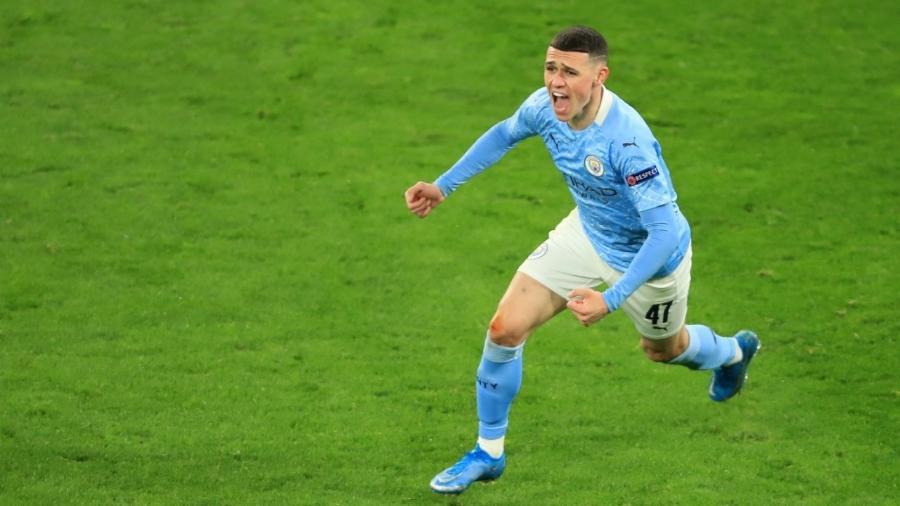 Foden comemora o segundo gol do Manchester City sobre o Borussia Dortmund - REUTERS/Wolfgang Rattay
