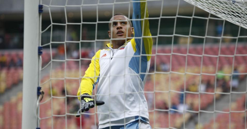 Cristian Bonilla aquece para estreia da seleção colombiana na Olimpíada