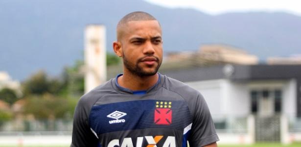 Lucas Rocha pouco atuou pela equipe cruzmaltina