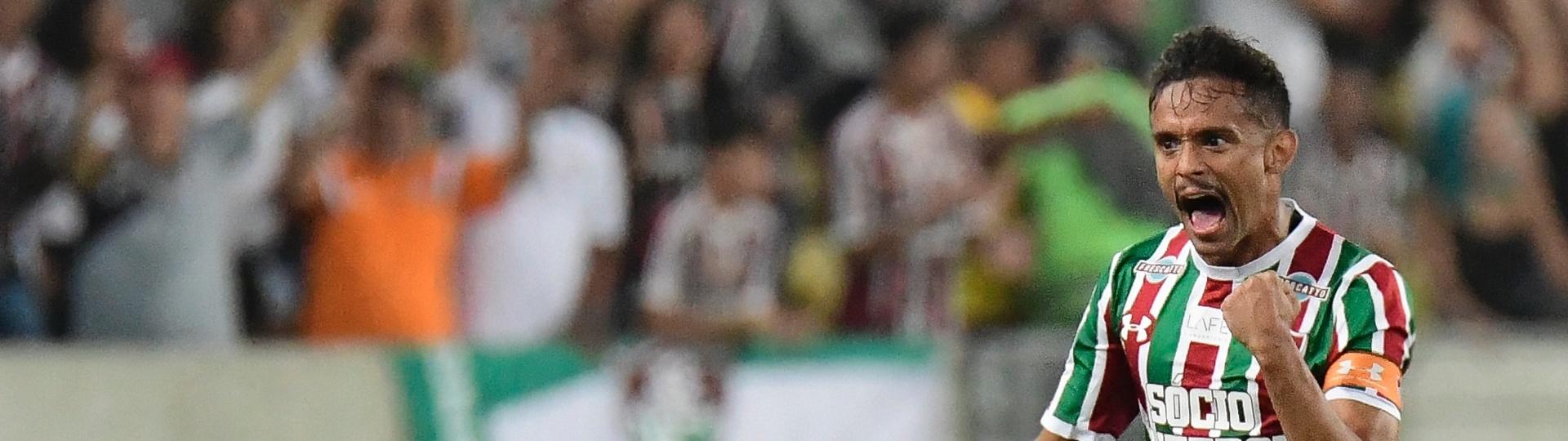 Gustavo Scarpa comemora gol do Fluminense contra a LDU