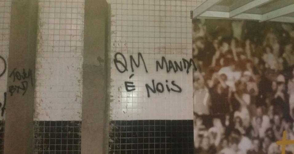 Pixação Vila Belmiro Santos Quem manda é nois
