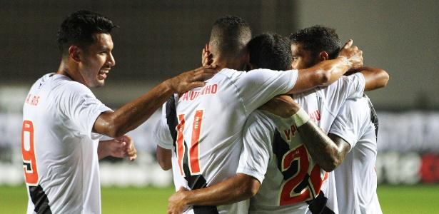 Vasco terá de vencer o Madureira para não se complicar no Carioca