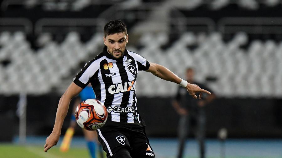 Rodrigo Pimpão sofreu lesão no joelho e dificilmente jogará pelo Botafogo em 2019 - Thiago Ribeiro/AGIF