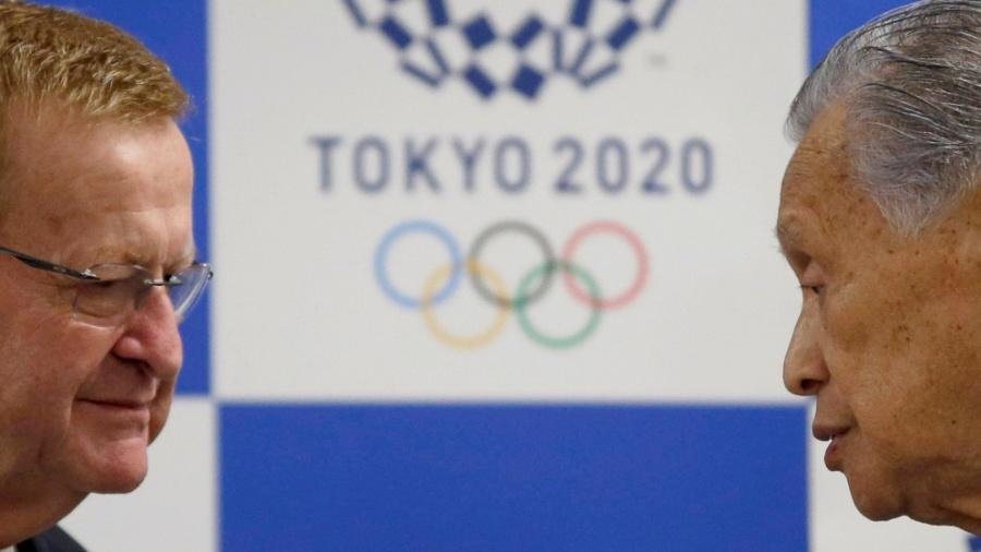 John Coates e Yoshiro Mori durante evento organizado pelo Comitê Olímpico Internacional nesta terça-feira (24) - TORU HANAI/REUTERS