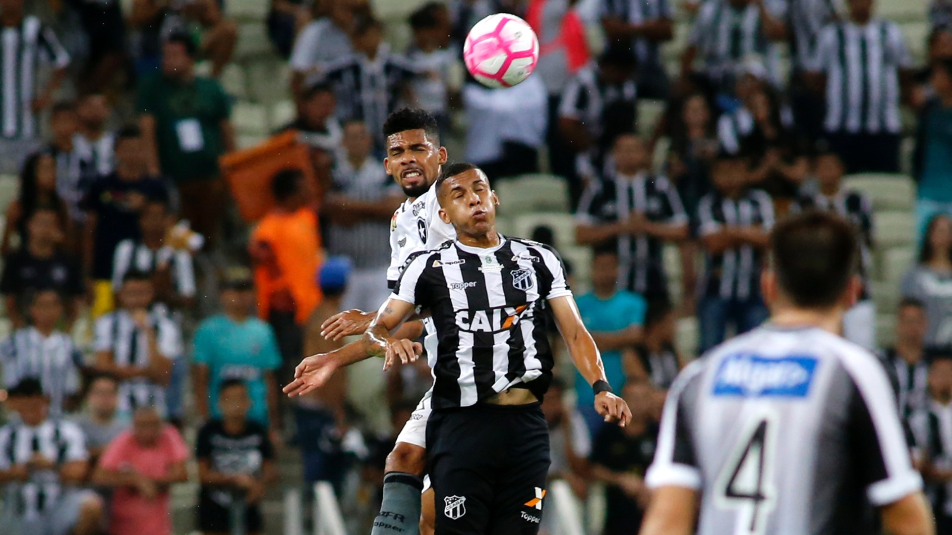 Botafogo e Ceará se enfrentaram nesta segunda-feira no Castelão