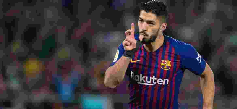 Luis Suárez, atacante do Barcelona, comemora gol contra o Betis - Jorge Guerrero/AFP