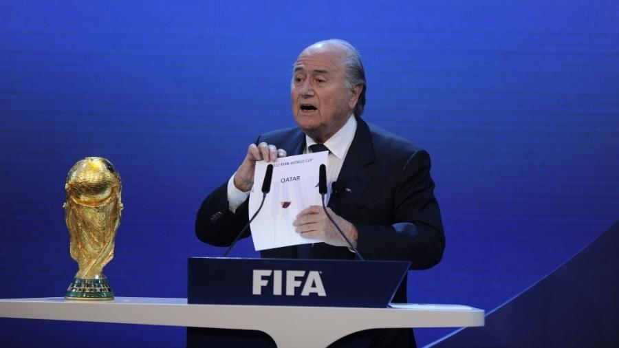 Presidente da Fifa, Joseph Blatter anuncia Qatar como sede da Copa de 2022 - AFP