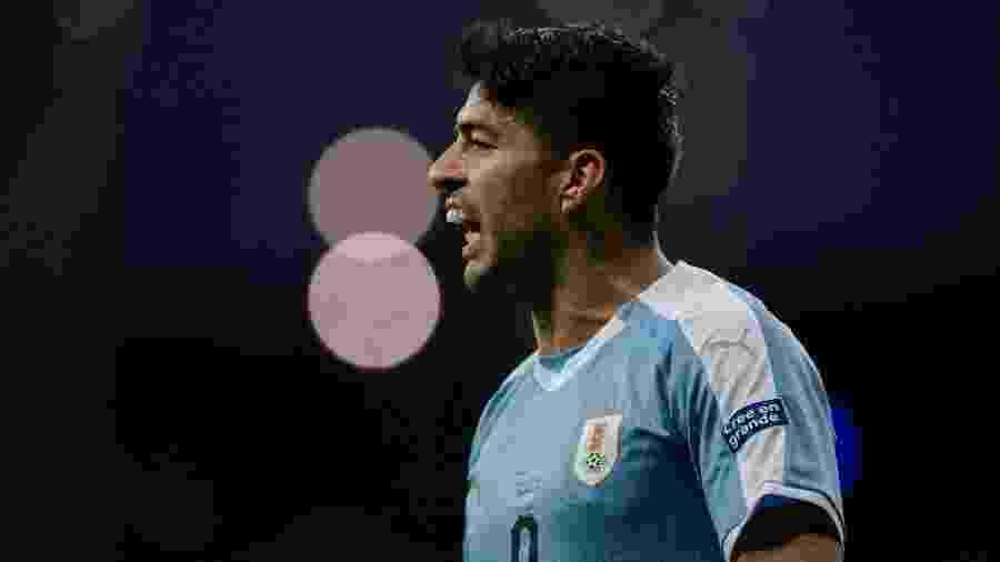 Luis Suárez, do Uruguai, durante partida contra o Peru na Copa América - Juan Mabromata/AFP