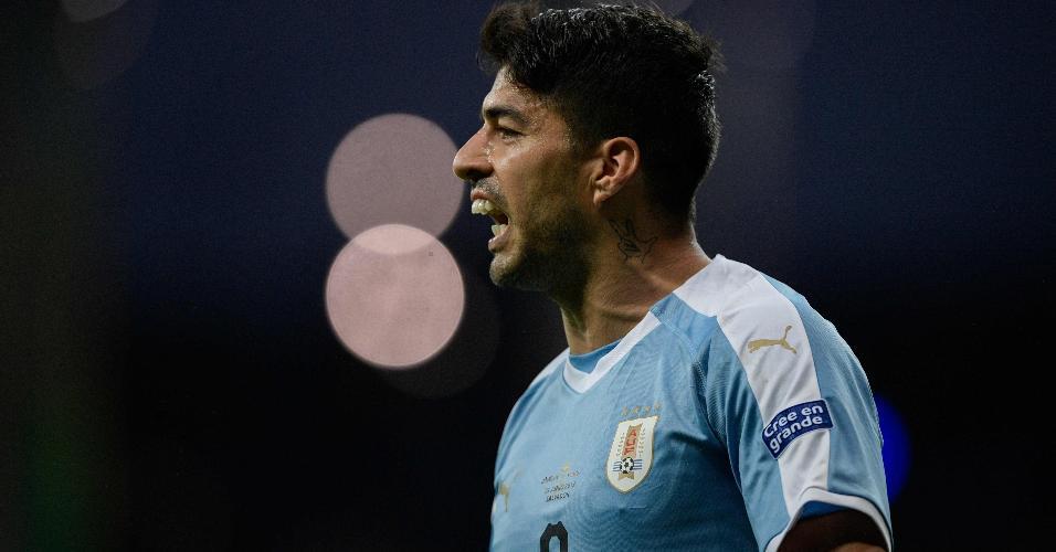 Luis Suárez, do Uruguai, durante partida contra o Peru na Copa América