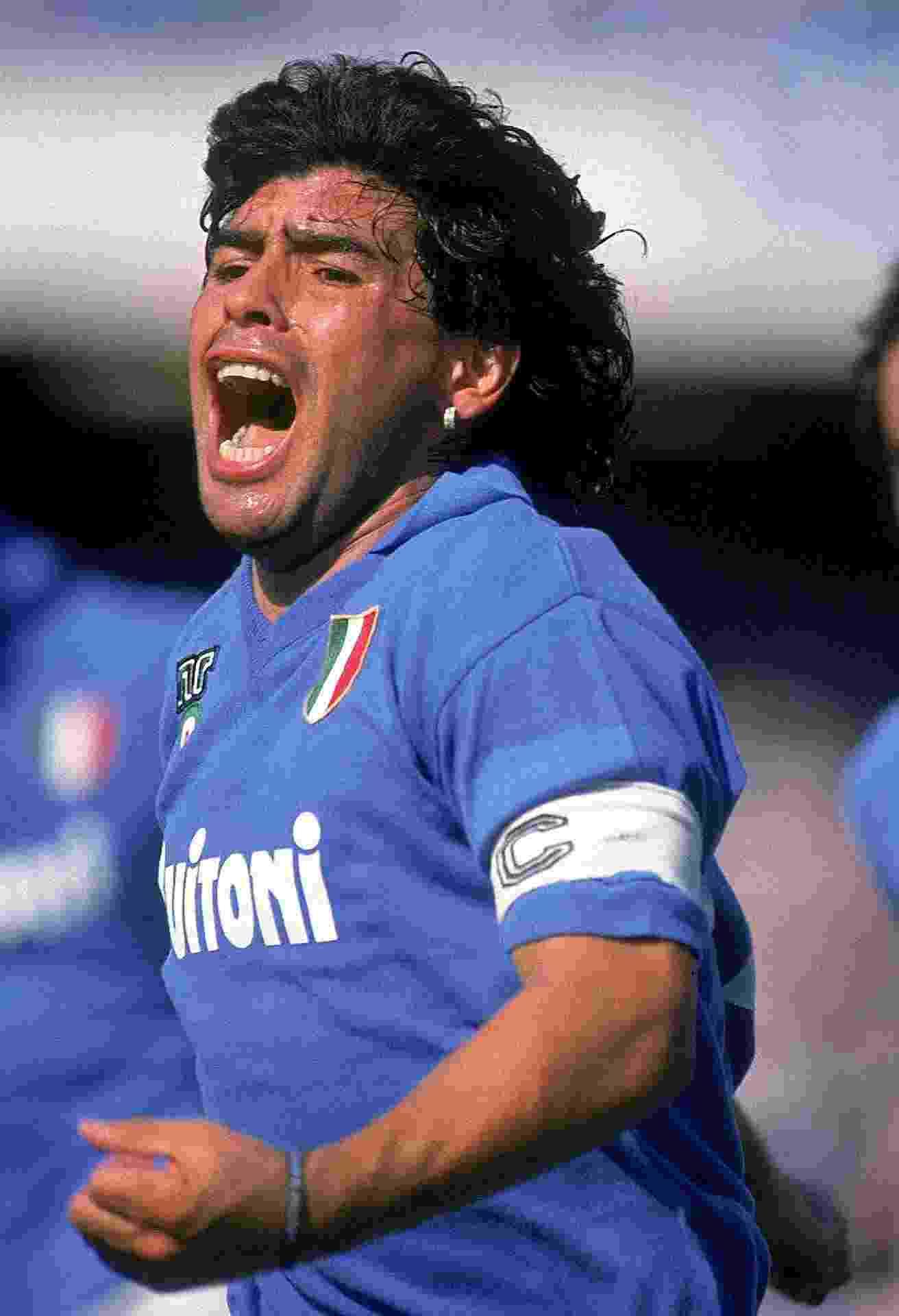 Maradona jogando pelo Napoli - undefined