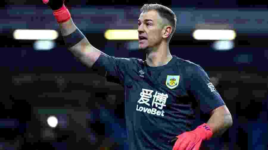 Hart com a camisa do Burnley; goleiro ex-seleção inglesa ficou sem contrato e está livre para assinar com qualquer clube - Anthony Devlin - PA Images/PA Images via Getty Images