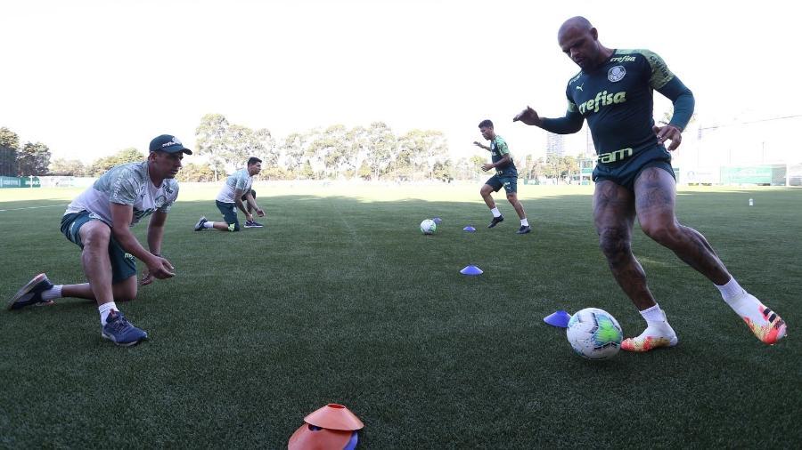 Marcos Rocha e Felipe Melo durante treino do Palmeiras na Academia de Futebol - Cesar Greco