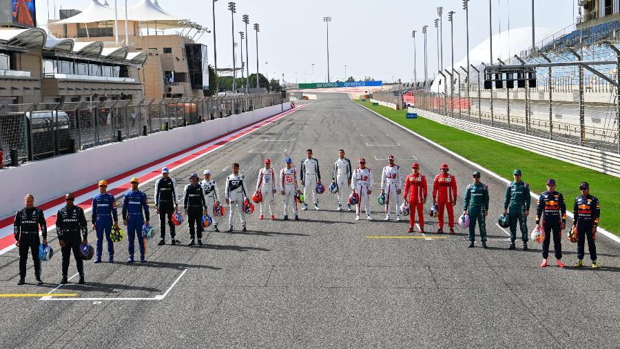 Pilotos da Fórmula 1 posam para foto oficial no início da temporada 2021 - Divulgação/F1
