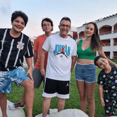 Neto, apresentador do Os Donos da Bola, curte férias em Cancún (MEX) - Reprodução/Instagram