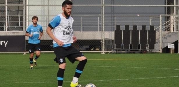 Marcelo Oliveira não vê problema se a concorrência aumentar na lateral esquerda