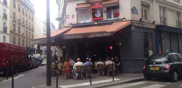 Bar em Paris marcado por atentado terrorista em novembro de 2015 - João Henrique Marques (UOL Esporte)