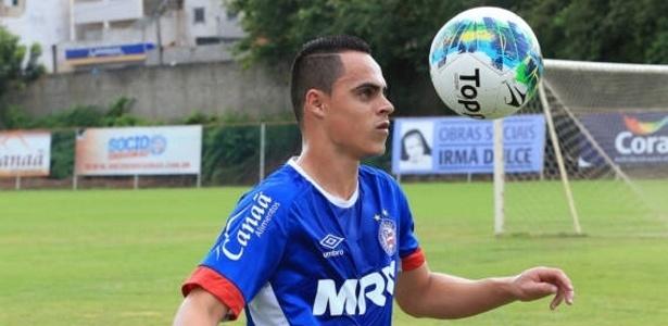 Novo reforço, atacante Victor Rangel já treina pelo Bahia