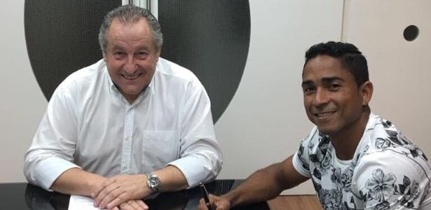 Jorge Henrique assina contrato com o Figueirense