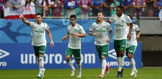 Resultado de imagem para Em jogo de 6 gols, Palmeiras quebra 100% do Bahia em Salvador e respira