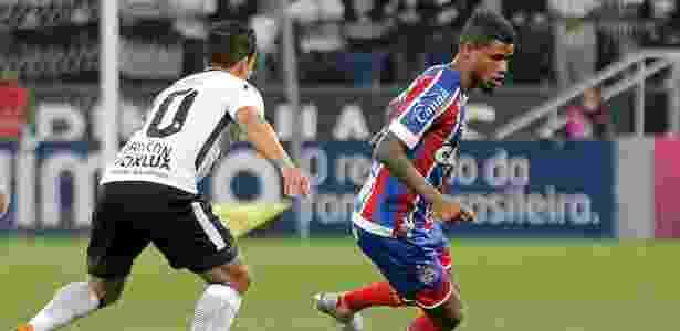 Jadson acompanha Matheus Reis na Arena Corinthians - Daniel Vorley/AGIF - Daniel Vorley/AGIF