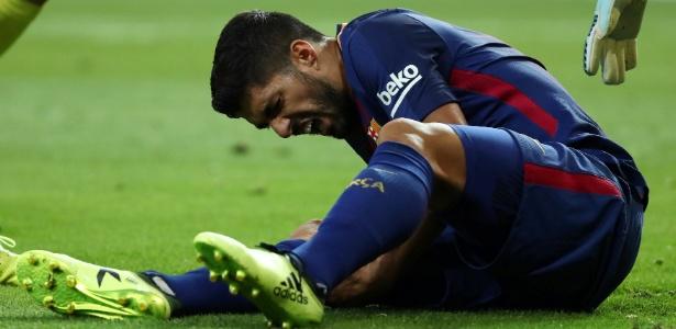 Suárez machucou o joelho em jogo contra o Real Madrid - Juan Medina/Reuters