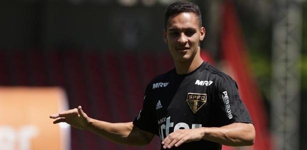 Atacante de 18 anos fez três partidas como profissional nesta temporada - Rubens Chiri/saopaulofc.net
