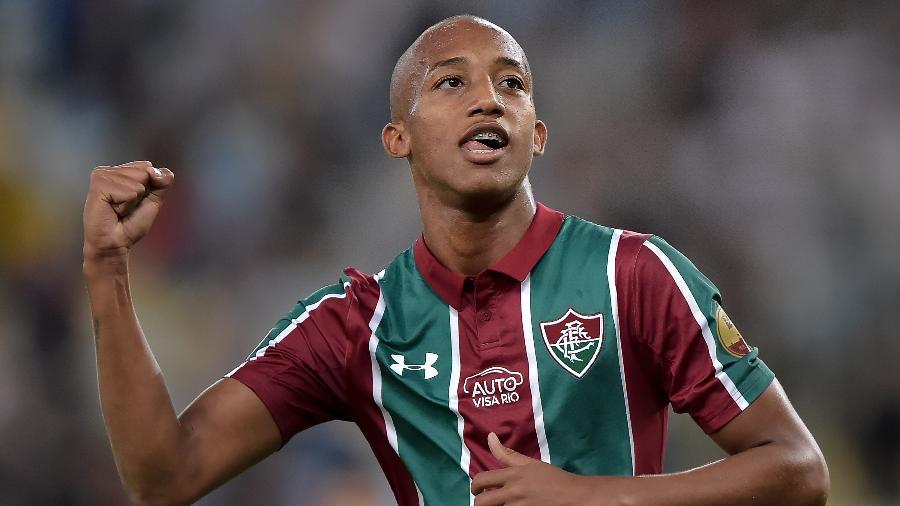 João Pedro celebra após marcar pelo Fluminense contra o Cruzeiro; jovem será o substituto de Pedro - Thiago Ribeiro/AGIF