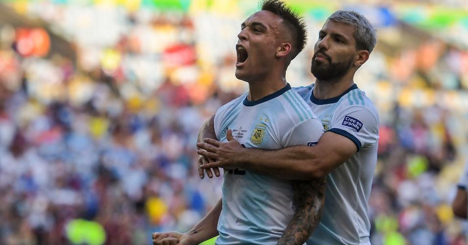 Lautaro comemora gol da Argentina contra a Venezuela