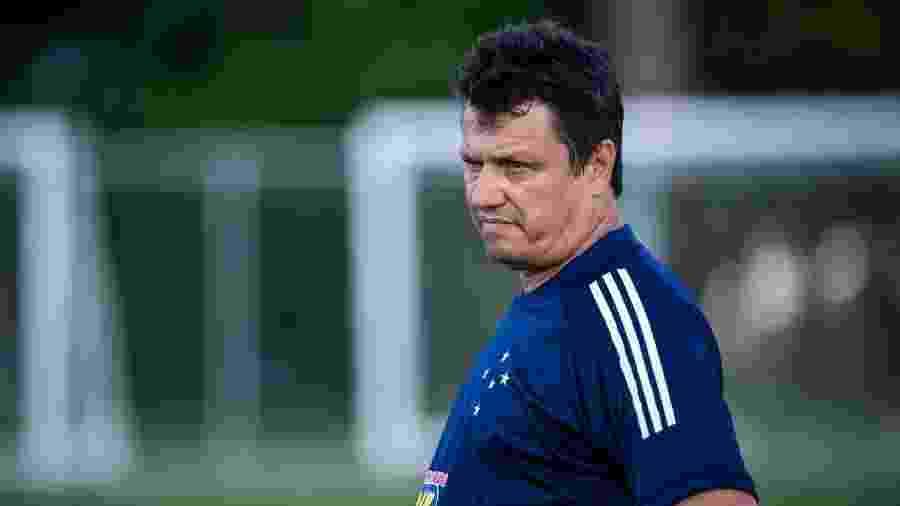 Técnico Adilson Batista, em treino do Cruzeiro na Toca da Raposa - Bruno Haddad/Cruzeiro