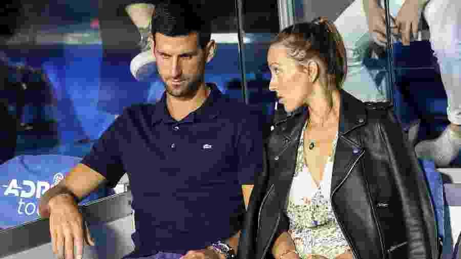 Novak Djokovic e sua esposa, Jelena Djokovic, durante etapa de Belgrado do Adria Tour - Reuters