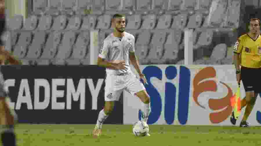 O zagueiro Wagner Leonardo, de 21 anos, é um dos jogadores revelados pelo Santos no Brasileirão 2020 - Ivan Storti/Santos FC