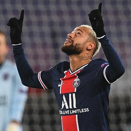 Neymar comemora gol sobre o Istanbul pela Liga dos Campeões 2020/2021 - FRANCK FIFE / AFP