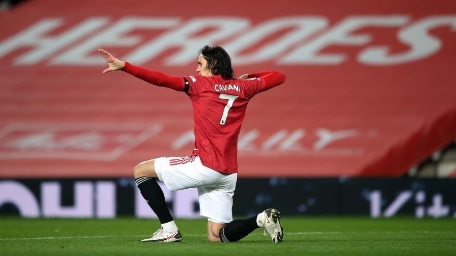 Cavani comemora gol pelo Manchester United contra o Everton - Alex Pantling / POOL / AFP