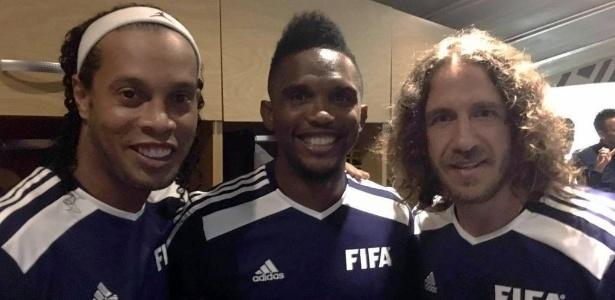 Ronaldinho Gaúcho, Eto´o e Puyol atuaram juntos pela seleção de lendas da Fifa