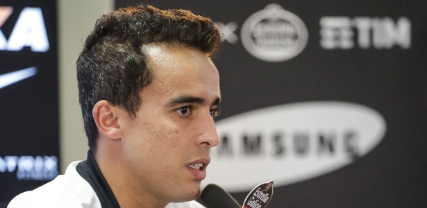Jadson busca entrar em forma para reestrear pelo Corinthians