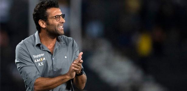 Valentim deixa legado ao Botafogo, mas falta de consistência quase custou o emprego