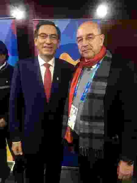 Osmar Terra, ministro da Cidadania do governo brasileiro, e o presidente do Peru, Martín Vizcarra - UOL