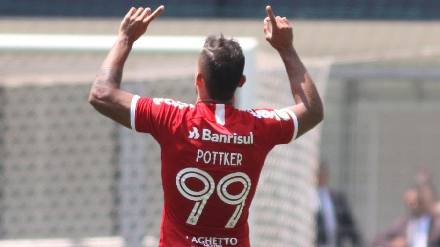 Pottker é uma das alternativas em negócio por Chará e pode reforçar o Atlético-MG em 2020 - Fernando Moreno/AGIF