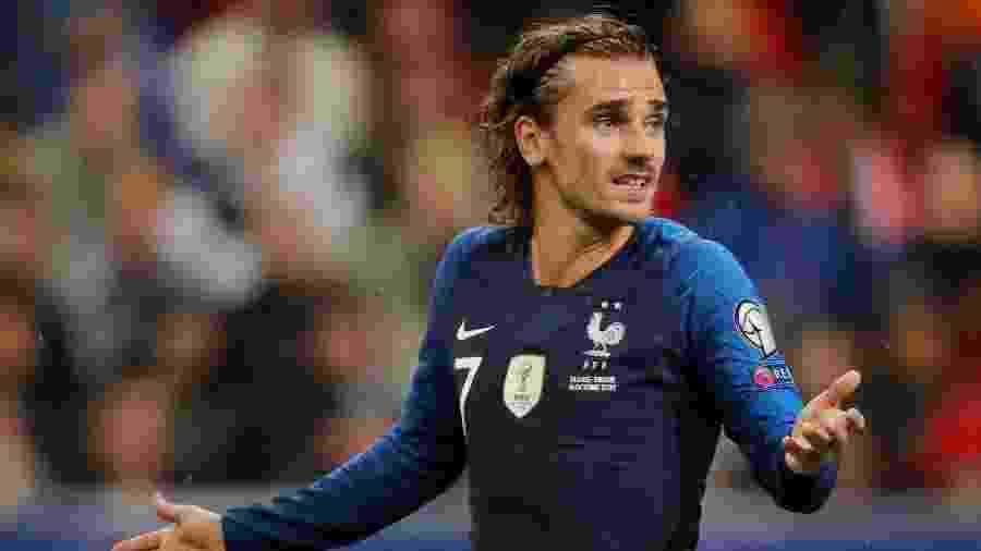 Antoine Griezmann gesticula durante jogo entre França e Turquia - Charles Platiau/Reuters