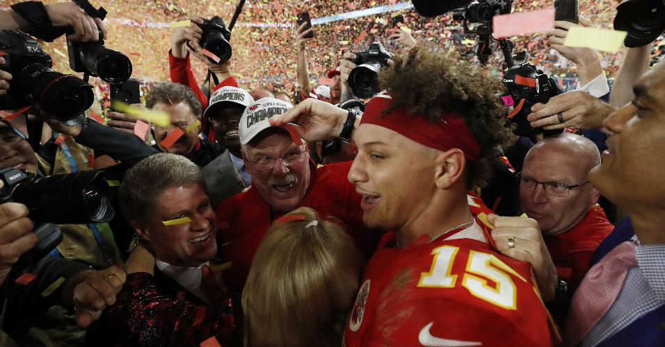 Patrick Mahomes comemora título do Kansas City Chiefs no Super Bowl 54